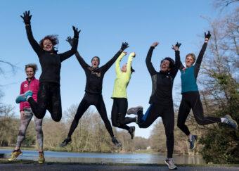 Springende joggers